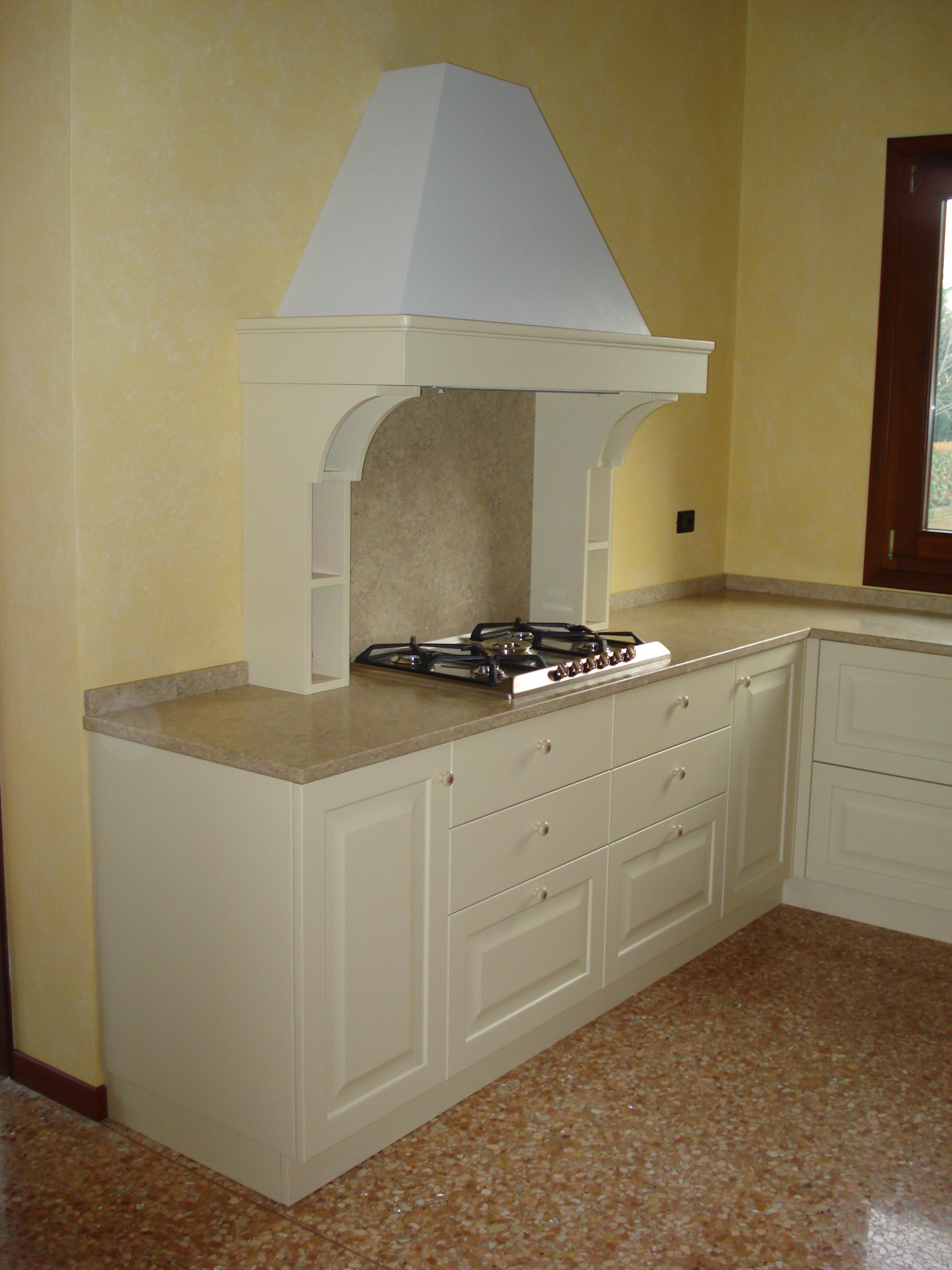 Arredamento su misura classico e moderno baldrani for Classico e moderno