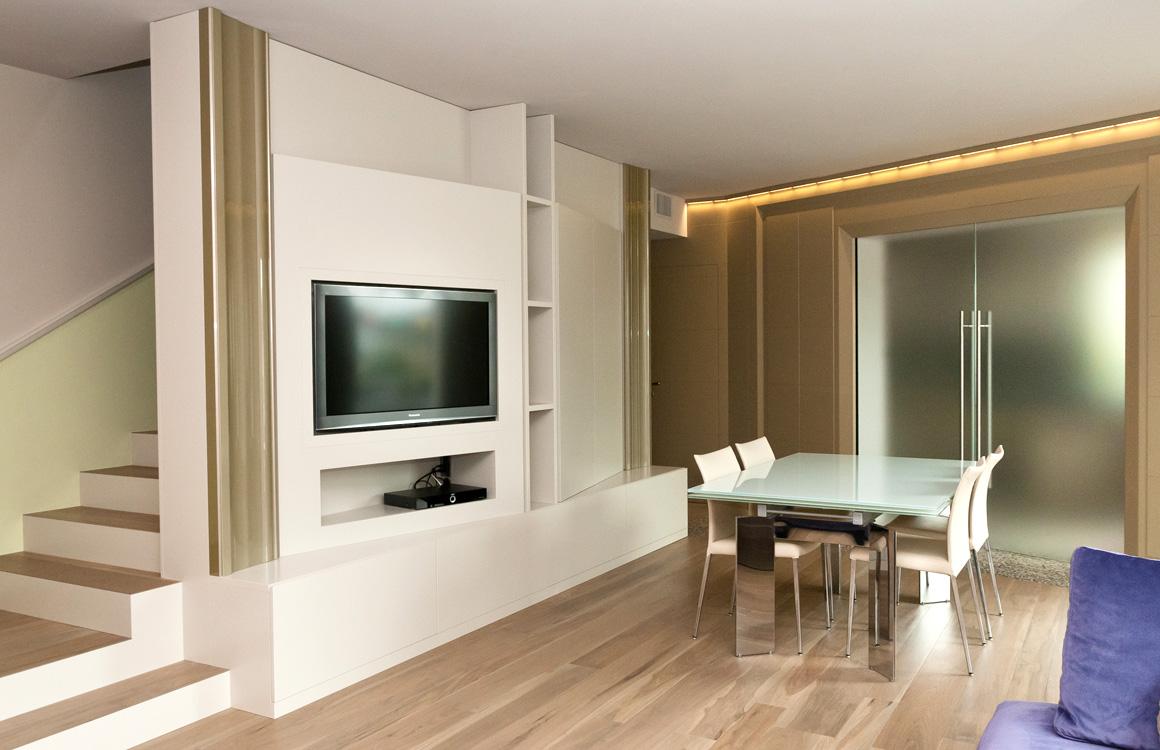 Arredamento su misura classico e moderno baldrani for Arredamento classico moderno soggiorno